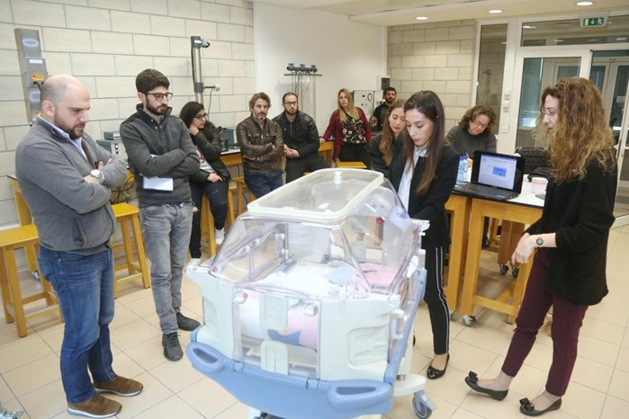 DRÄGER AND PRIME MEDICAL DONATE INCUBATOR TO THE DEPARTMENT OF MECHANICAL ENGINEERING