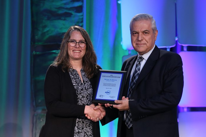 FE DEAN PRESENTED WITH ASHRAE STUDENT ACTIVITIES ACHIEVEMENT AWARD