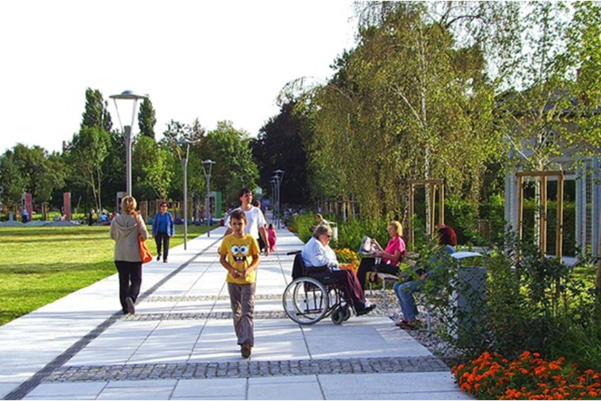 ENCOURAGING ACTIVE LIFESTYLE BY PUBLIC OPEN SPACE DESIGN