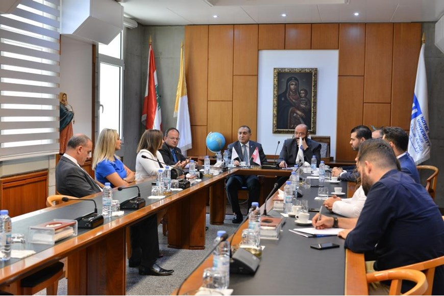 New Alumni Association Board Meets with NDU President 4